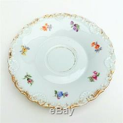 Meissen Porcelain Scattered Flowers Tea Cup & Saucer with Rare Shell Edge ca. 1820