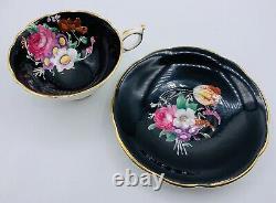 Paragon Bone China Tea Cup & Saucer Her Majesty Queen Elizabeth Rare Stunning