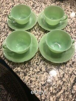 Set of 4 VINTAGE FIRE-KING JADEITE TEA Coffee CUP AND SAUCER VG+ Alice Pattern