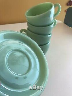 Vintage Fire King JADEITE COFFE Tea CUPS SAUCERS set of 4 restaurant ware